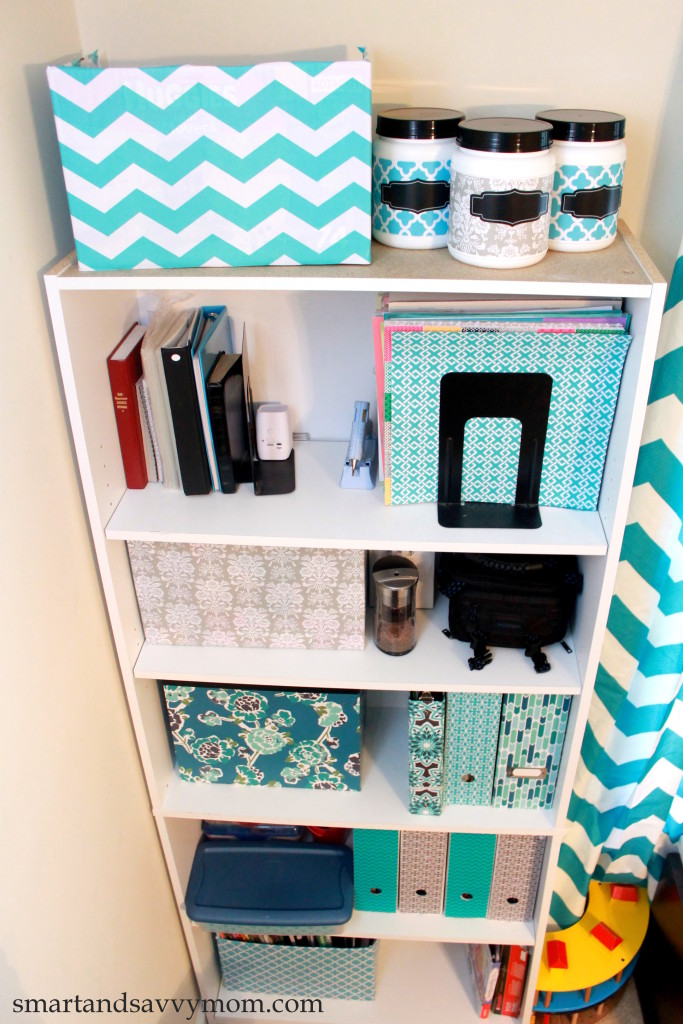 organized home school room shelf