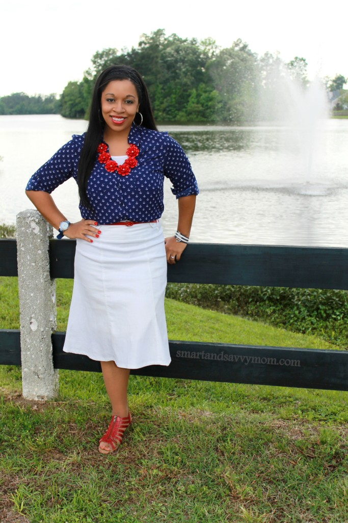 nautical summer style anchor prints and white outfit for moms