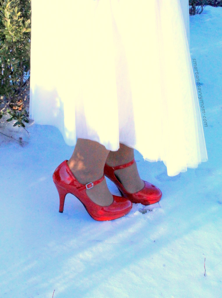 red shoes and white tulle skirt modest christmas outfit idea