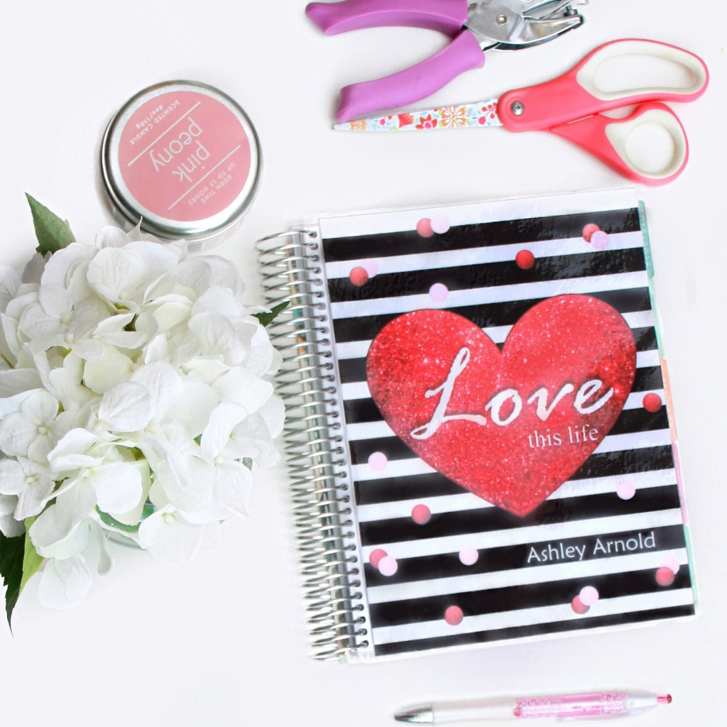 Love this life free printable planner cover for valentine's day #erincondren